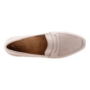 67cb866e454 Clarks Shoes - NWT CLARKS Women s Keesha Cora Penny Loafers 7.5